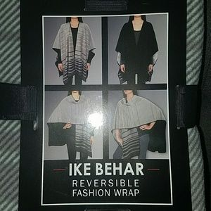 Ike Behar Accessories - Reversible fashion wrap