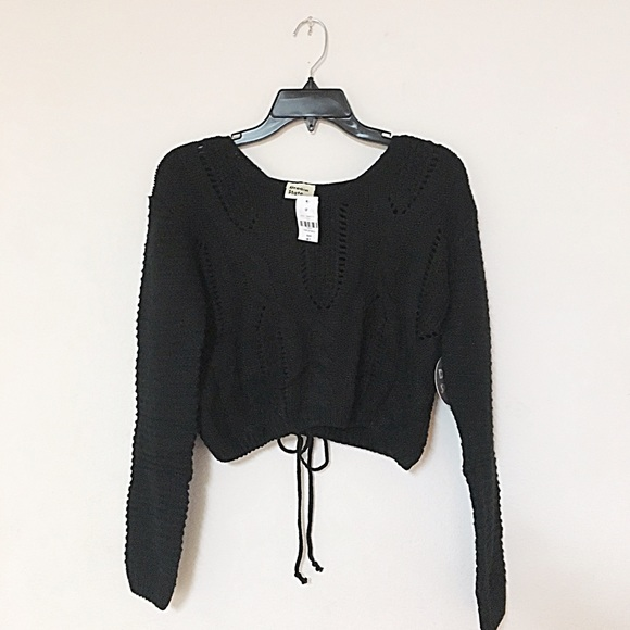 9104f5eb13 LF back lace up tie cable knit cropped sweater. M 58445bcebf6df53cf90128ff