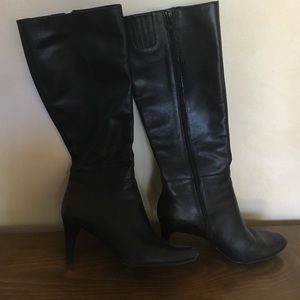 Ellen Tracy leather boots