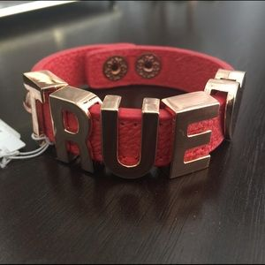 "🆕 BCBG Generation ""True 💓"" Bracelet"