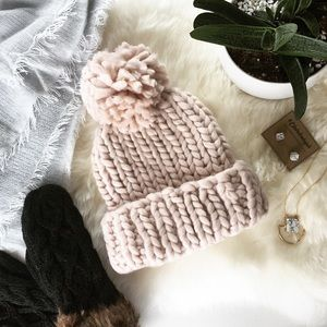 Claire Louise Boutique Accessories - ✨SUPER SALE✨ CHUNKY KNIT POM HAT