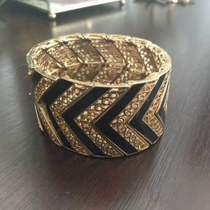 Jewelry - Chevron bangle