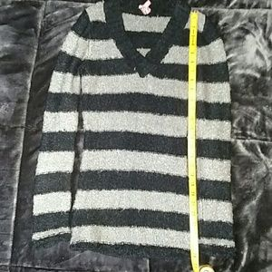Black and gray striped sweater Derek Heart size L