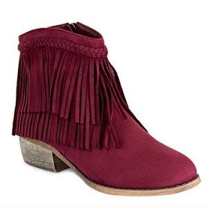 Bella Marie Shoes - Fringe Booties in Wine 🎀Size 8🎀 Various Sizes