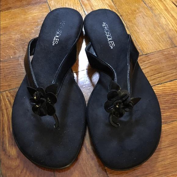 8550c65e610 AEROSOLES Shoes - Aerosoles Branchlet flip flops - size 8 1 2M