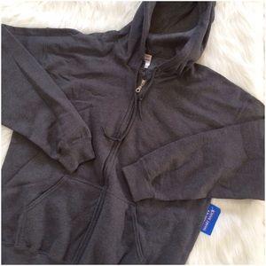 Gildan Other - Heavy Blend Zip Up Hooded Sweatshirt. NWT's
