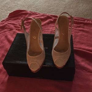 Boutique 9 Shoes - Size 6 white shoe with cork heel leather sole
