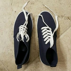 H&M navy blue lace sneakers
