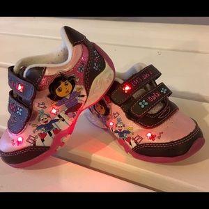 Dora Light Up Shoes Toddler Size 6