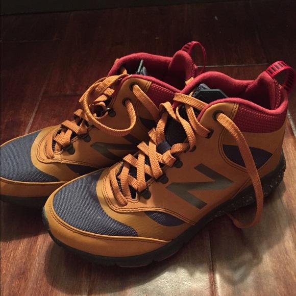 new balance boots 710