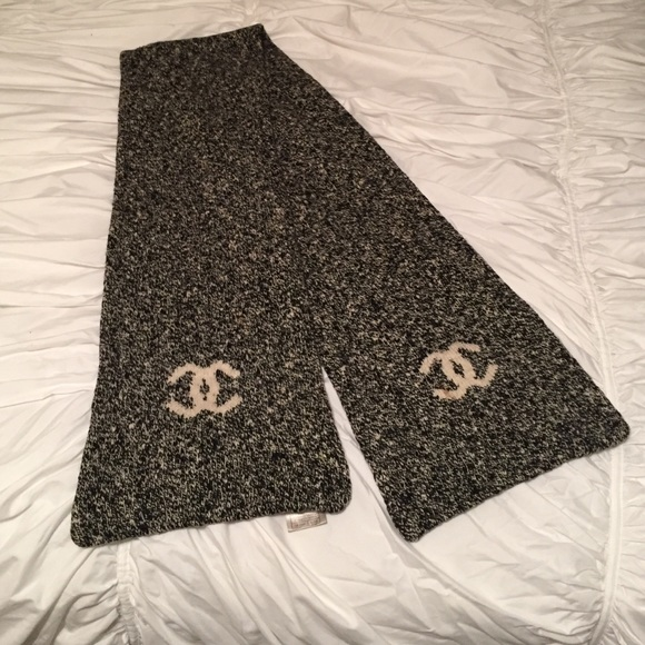 Chanel Accessories Authentic Logo Winter Scarf 100