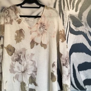 Abercrombie & Fitch Sweaters - A&F Brett Long Slouchy Floral Sweater