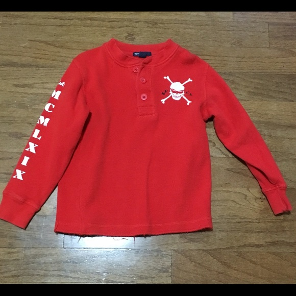 64% off Gap Other - Boys red skull and crossbones Gap sweater 6-7 ...