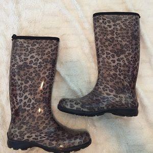 Kamik Shoes - Cheetah Print Rain Boots