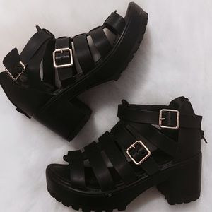 traffic Shoes - Platform Black Buckle 90's Sandals