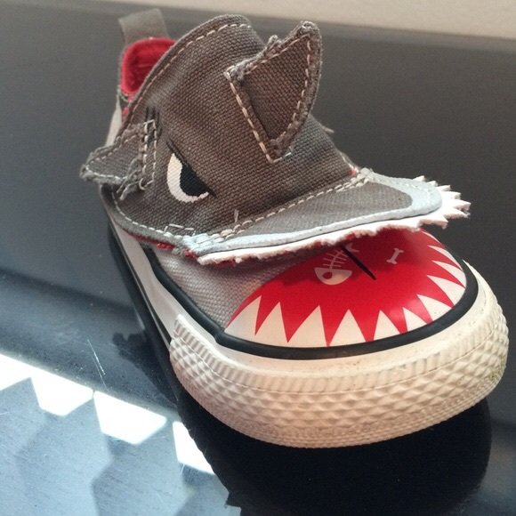 Converse Other - Converse Infant Boys Shark Slip On Velcro size 8 16523433ee79