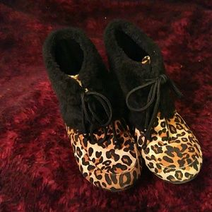 Jelly Beans Other - Animal print kids boots