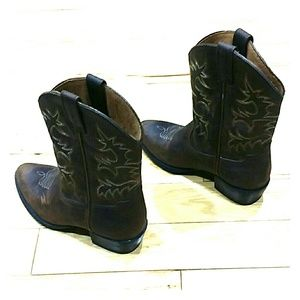Ariat Other - ARIAT COWBOY BOOTS SIZE 2.5 GIRLS