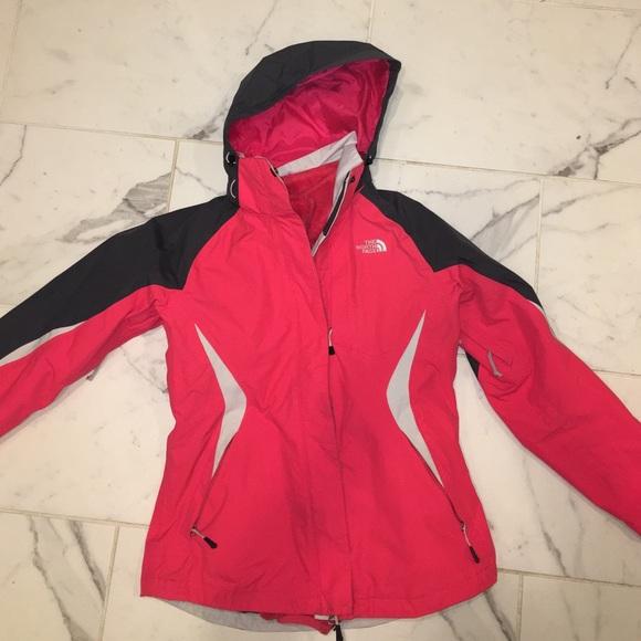 bd24da4a4909 2 in 1 The north face women s ski jacket. M 5844d9033c6f9f667c013080