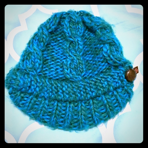 05ca565e7e3 lululemon athletica Accessories - Lululemon teal and green winter hat