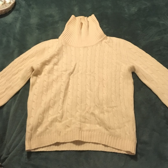 885e57cf03 Beautiful cashmere turtleneck from Scotland.