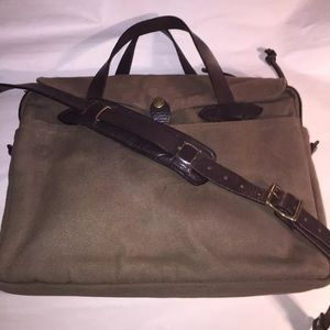 Filson Other - authenic FILSON zip top CROSSBODY laptop bag $389