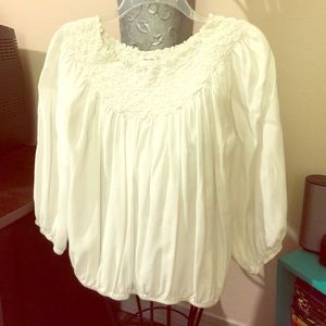 Sophie Max Tops - Sophie Max Off White Top, Size Small❤️