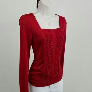 Carmen Marc Valvo Tops - Fitted fire engine red ruched top