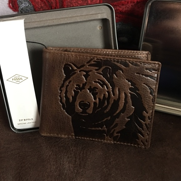 76 off fossil bags mens wallet bear poshmark mens fossil wallet bear colourmoves