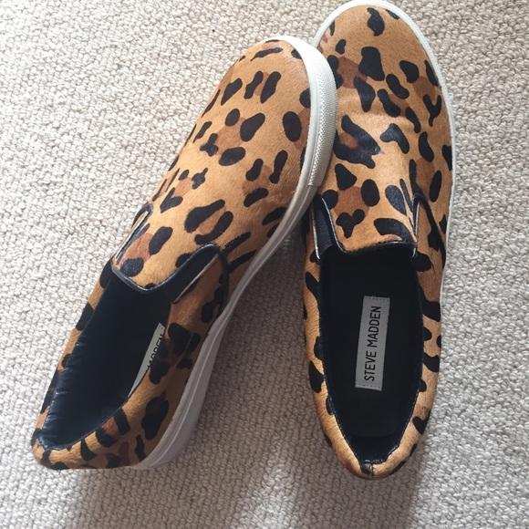 df1b5591f3e Steve Madden leopard slides. M 5845a6c45c12f8e71103790e