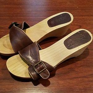 J. Crew wedged heeled clog style size 6 Christmas