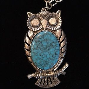 Jewelry - Groovy turquoise look silvertone fashion owl