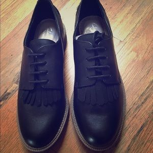Clarks Oxford Size 8
