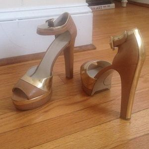 Nine West Gold/Nude Heels