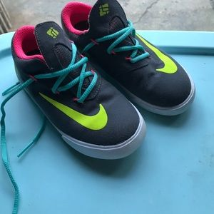 Nike Other - Nike KD little girls size 9