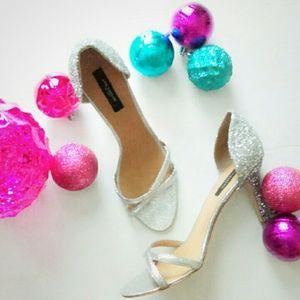 Ann Taylor Shoes - ⬇HP Stephanie Dorsey Sanda Silver Glitter Heel