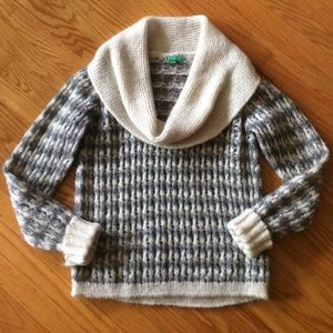 United Colors Of Benetton Sweaters - 🎀 United Colors of Benetton Beautiful Sweater M/L