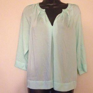 DKNYC Tops - Pretty 100% polyester dress top