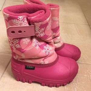 Tundra Other - Tundra toddler size 10 boots