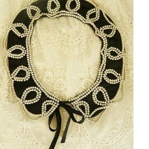 Accessories - 🎀Adorable🎀 NWOT. Pearl Embellished Collar