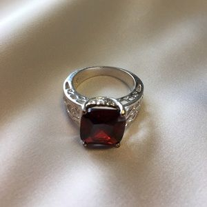 Jewelry - ❣️RED GARNET RING / 925 SILVER❣️