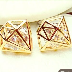 Gorgeous Diamond Shaped Gold Earrings