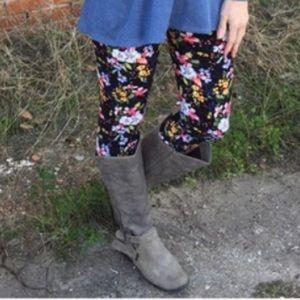 Soft Brushed Knit Floral Leggings