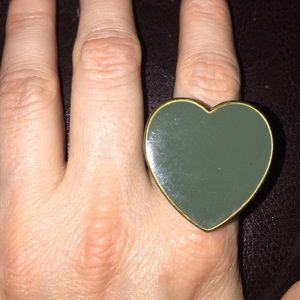 Green heart ring