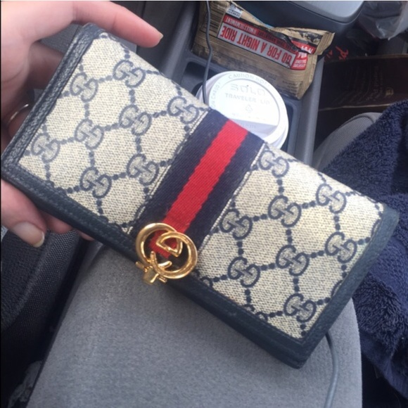0ebbb9374e0828 Gucci Handbags - Vintage Gucci wallet! ❤ ONE HOUR ONLY!