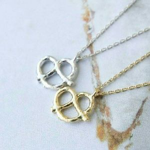 Jewelry - Cute Pretzel Necklace