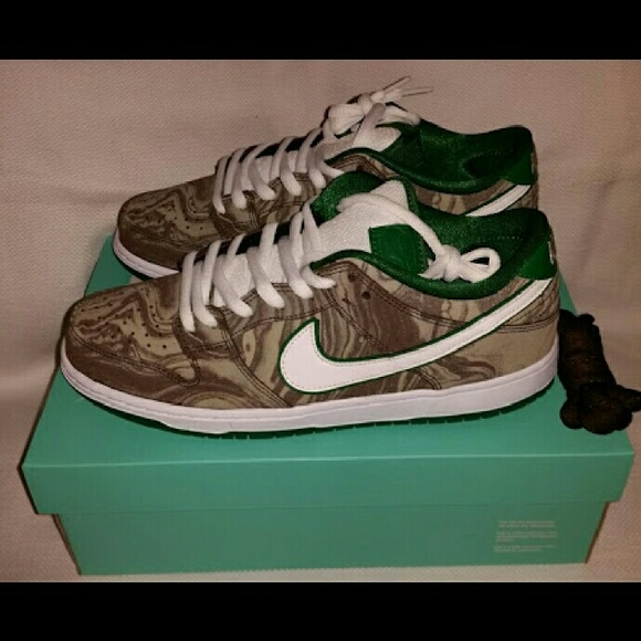 sale retailer be1a3 65a6f Nike Dunk SB Starbucks Coffee Lovers Sneakers NWT