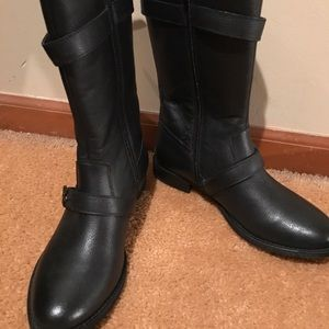 Brand new Steve Madden leather mid calf boots.