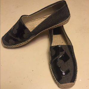 Tory Burch Shoes - NWT Tory Burch Lonnie espadrille flats