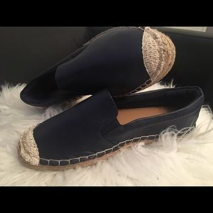 Shoes - Cute casual flats
